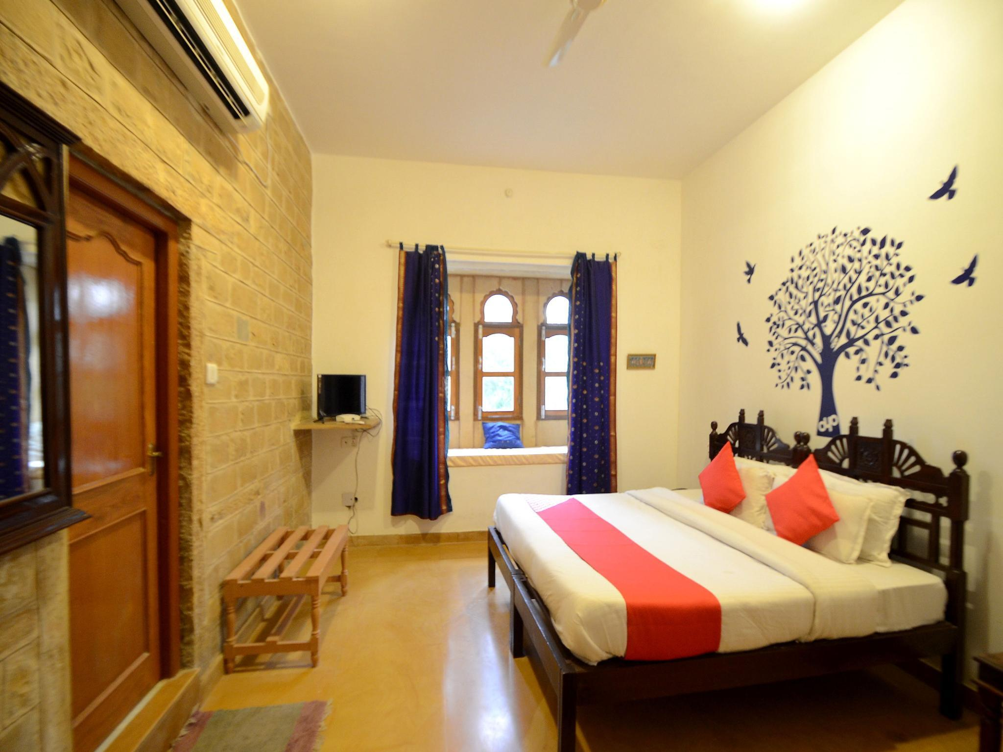 Oyo 1352 Hotel Desert Moon Jaisalmer India Photos Room