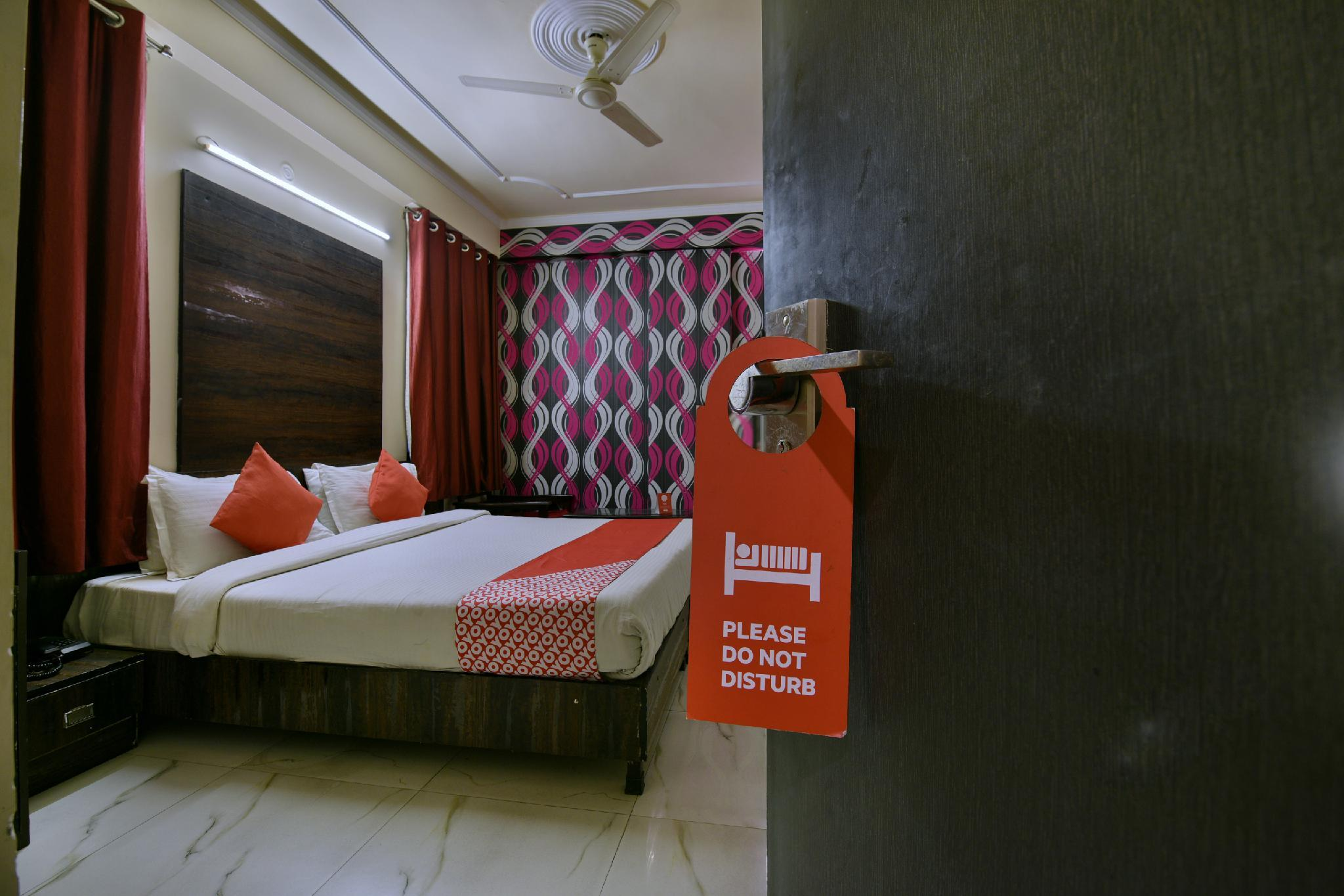 Oyo 3457 Hotel Sky Heights Jaipur India Photos Room