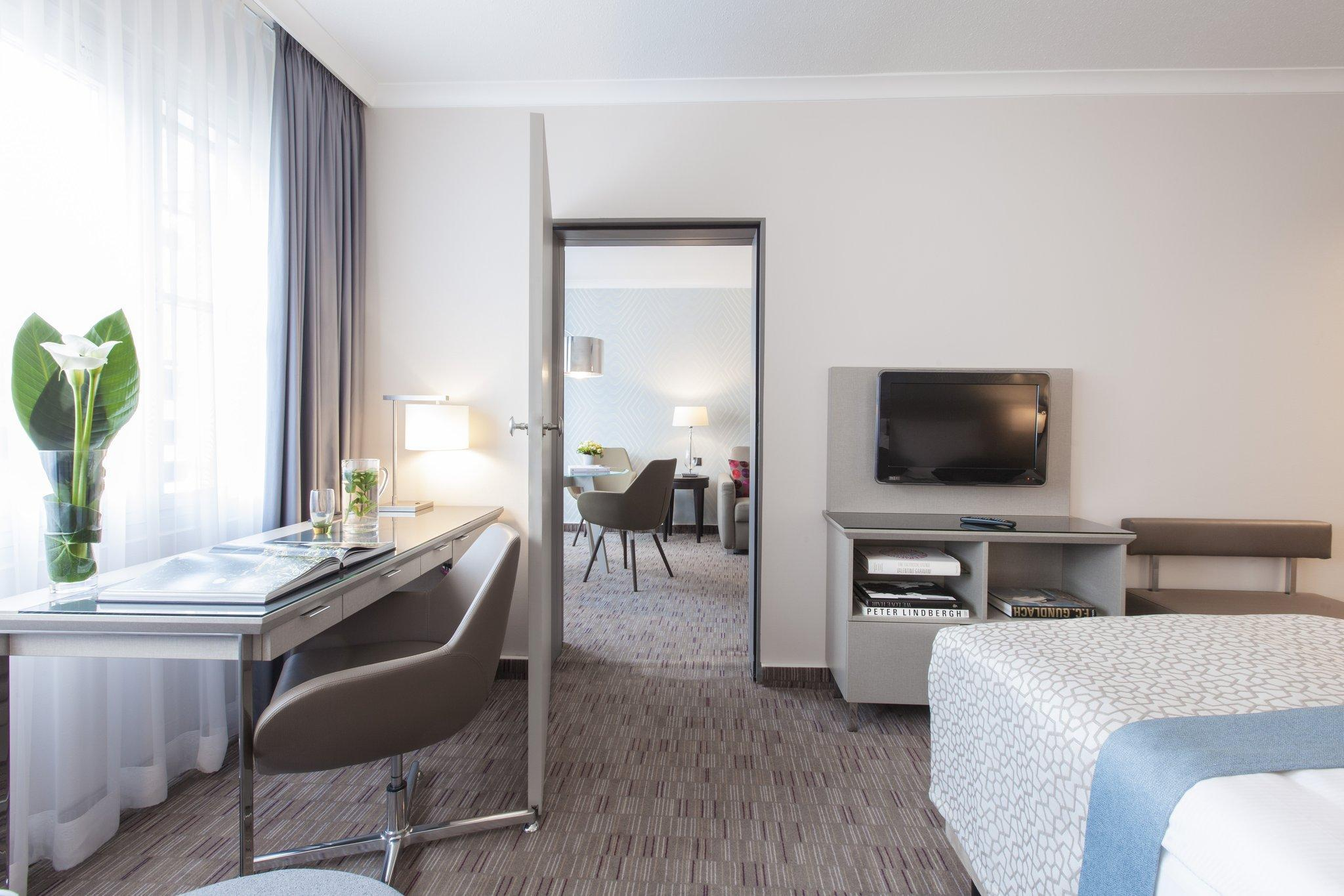 Crowne Plaza Berlin City Centre Hotel Deals Photos Reviews