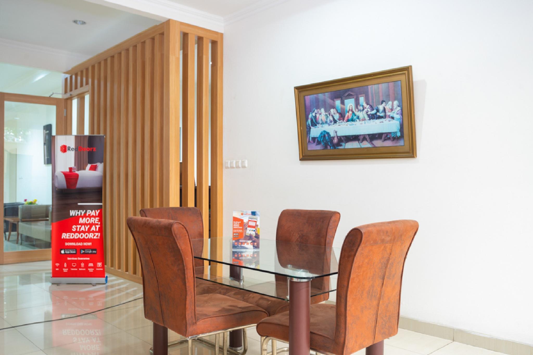 Reddoorz Plus Near Siloam Karawaci Binong Tangerang Mulai