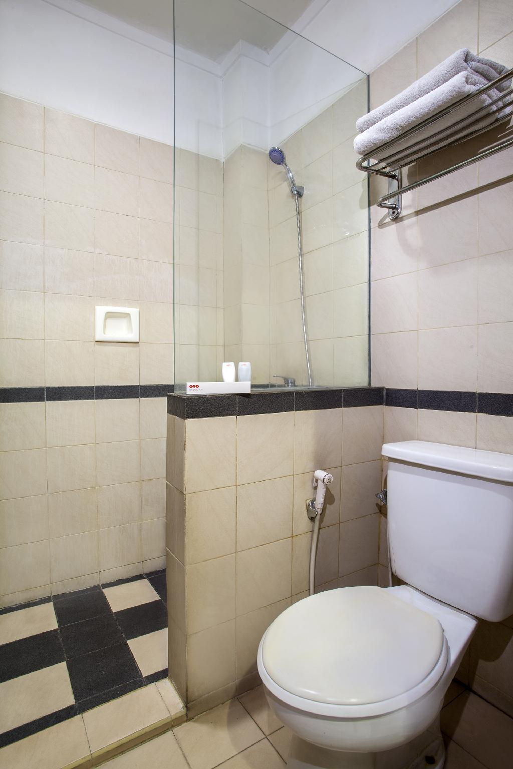 Oyo 116 N Hotel : hotel, HOTEL, Jakarta, Deals,, Photos, Reviews