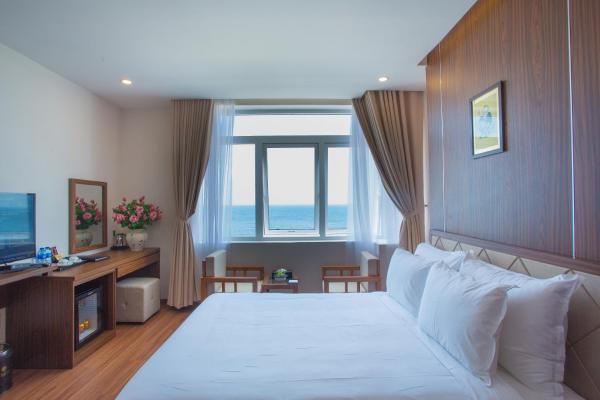 De Lamour Hotel Phuoc My Da Nang Room Deals Photos