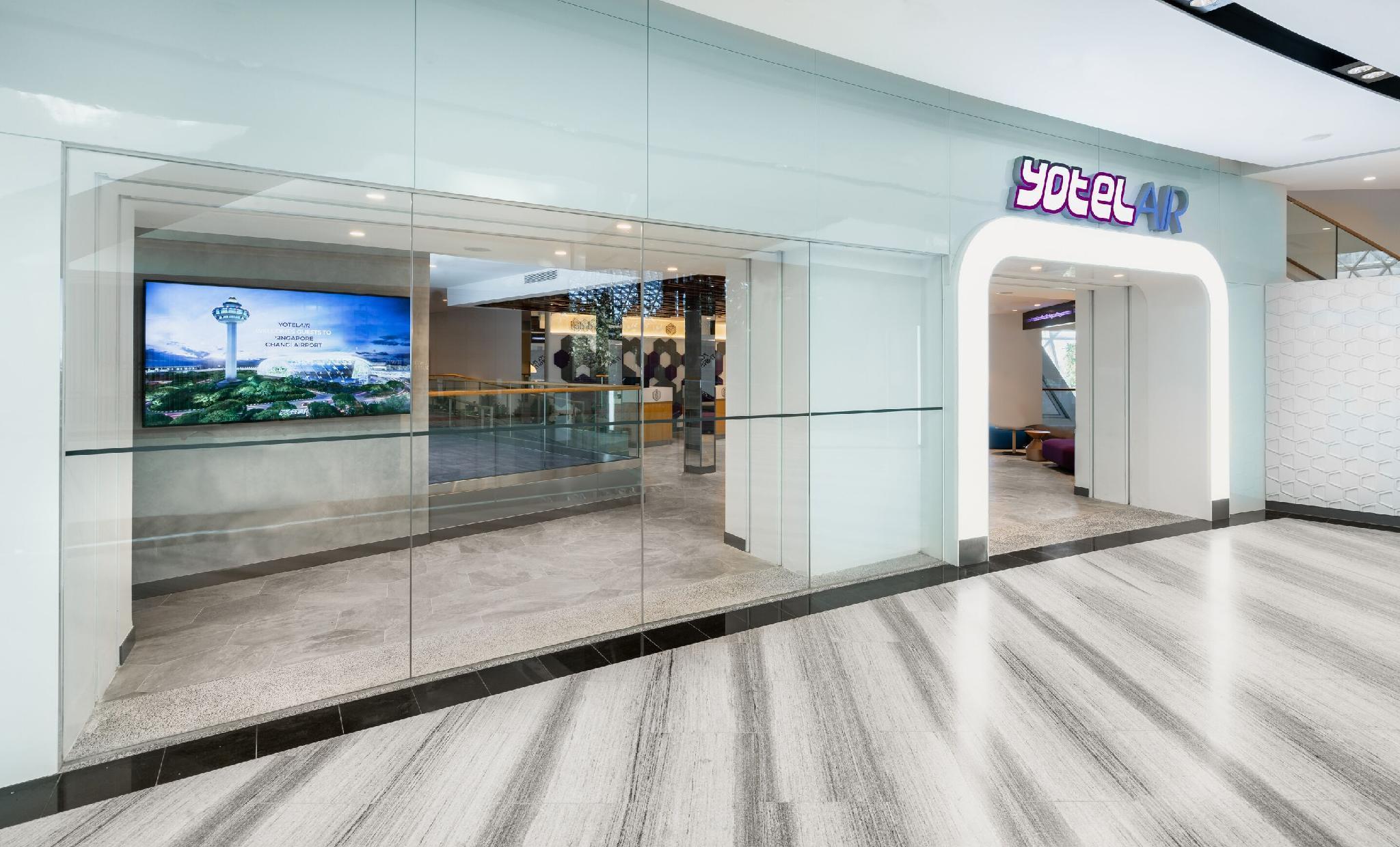Yotelair Singapore Changi Airport At Jewel Room Deals