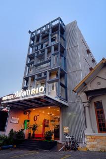 Hotel Dafam Rio In Bandung - Room Deals &