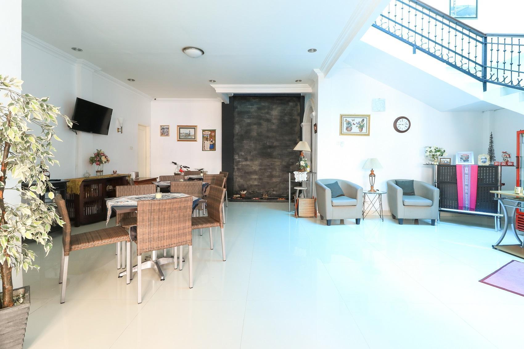 Ge Jacmart Homestay In Makassar Room Deals Photos Reviews