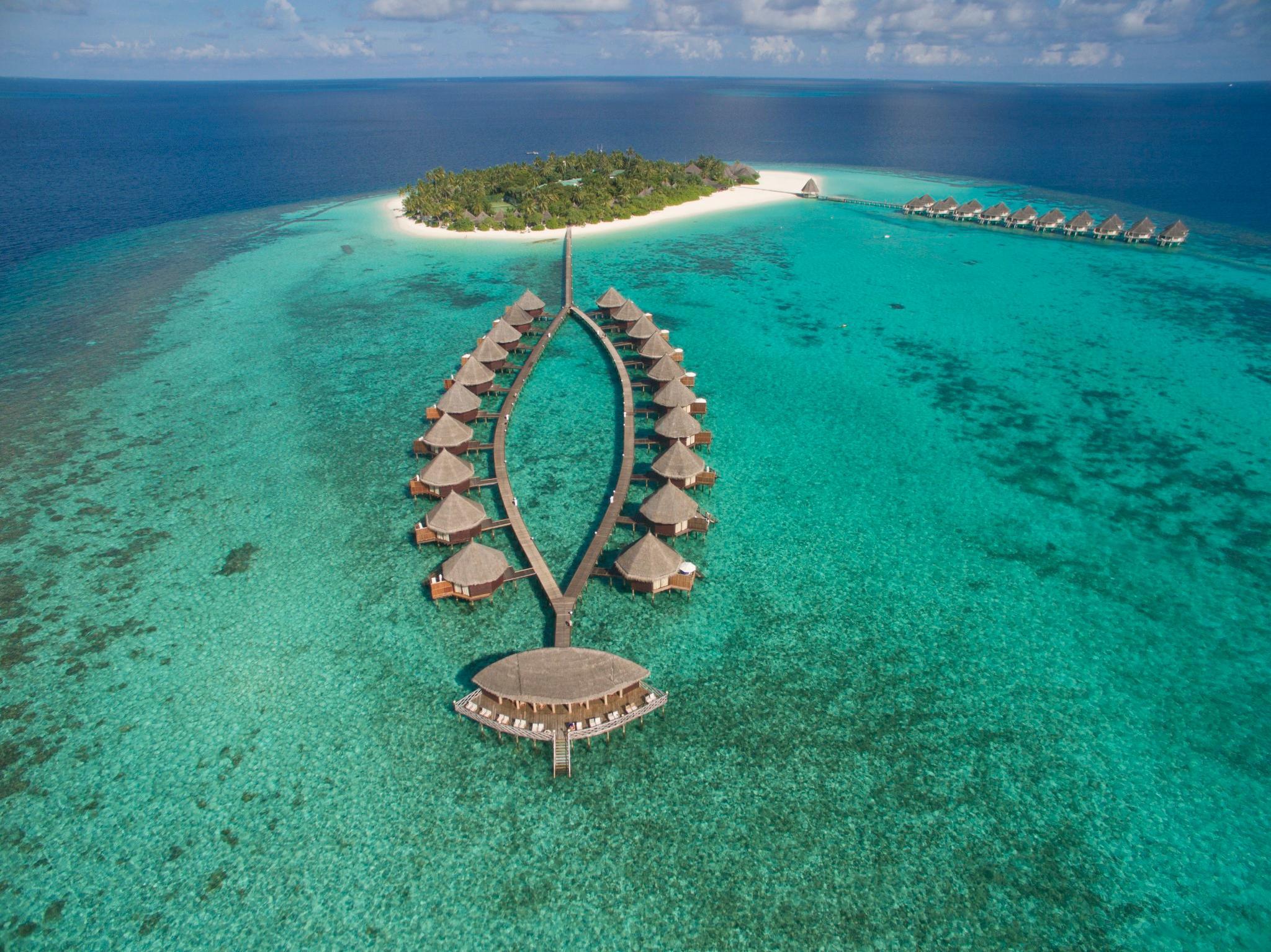 angaga island resort and