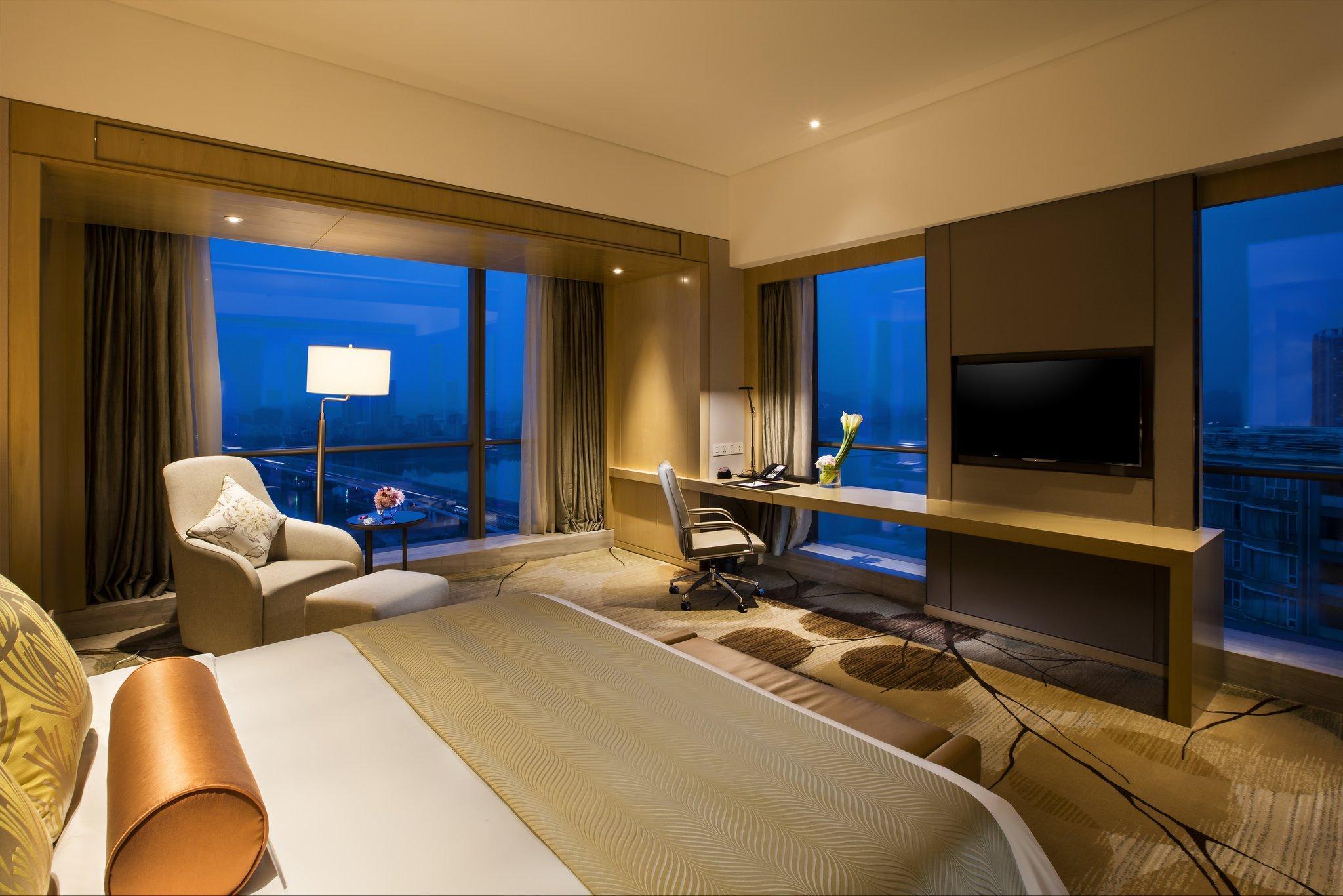 Crowne Plaza Fuzhou Riverside In China Room Deals Photos