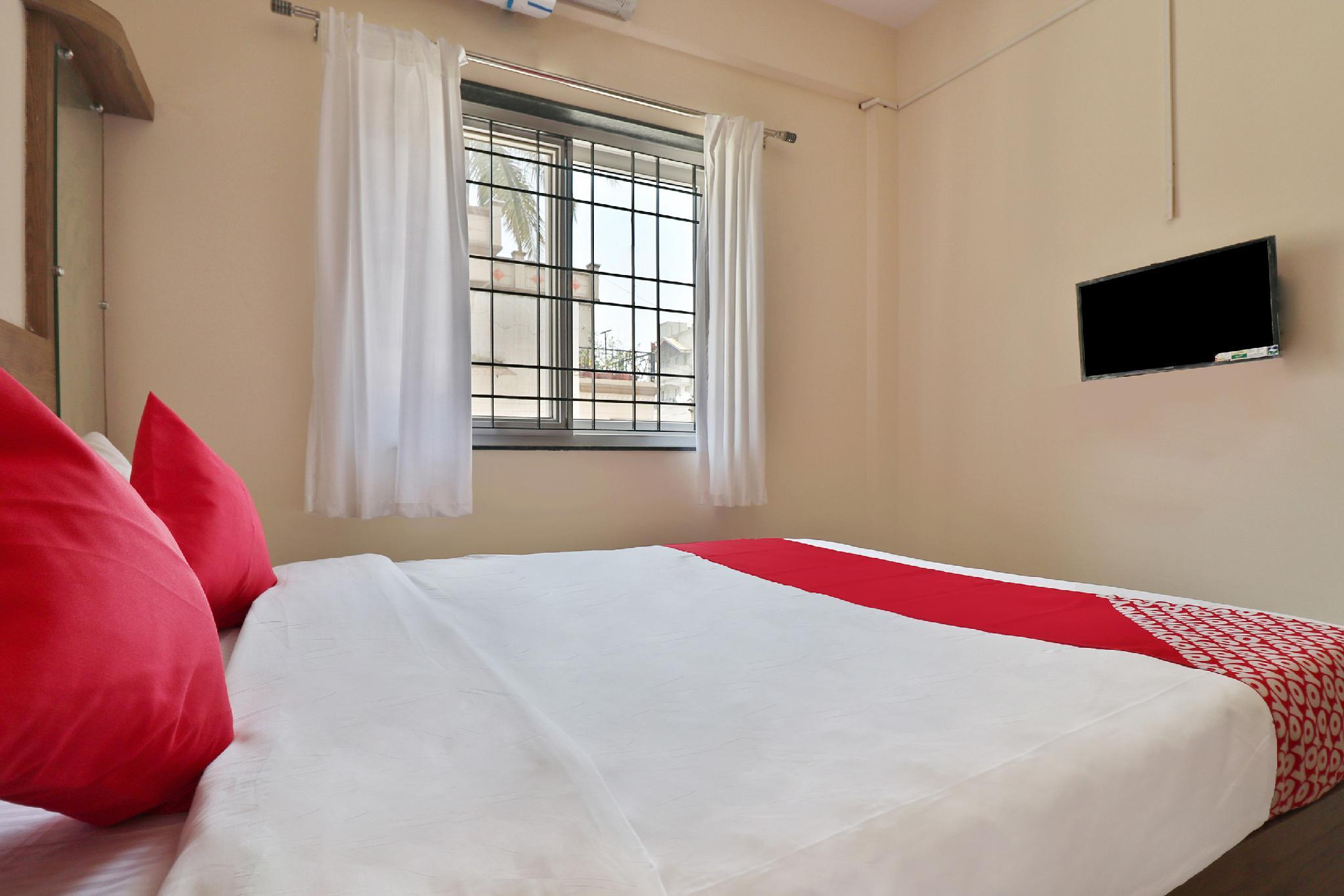 Oyo 17327 The Rove In Bangalore Room Deals Photos Reviews
