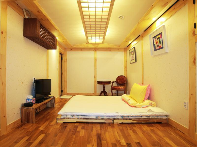 Lee Kang Ga Guesthouse Guesthouse Bed And Breakfast Seoul Deals Photos Reviews