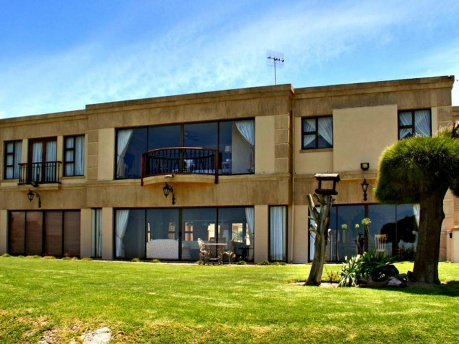 Deals on Casa Mia Guesthouse in Cape Town  Promotional