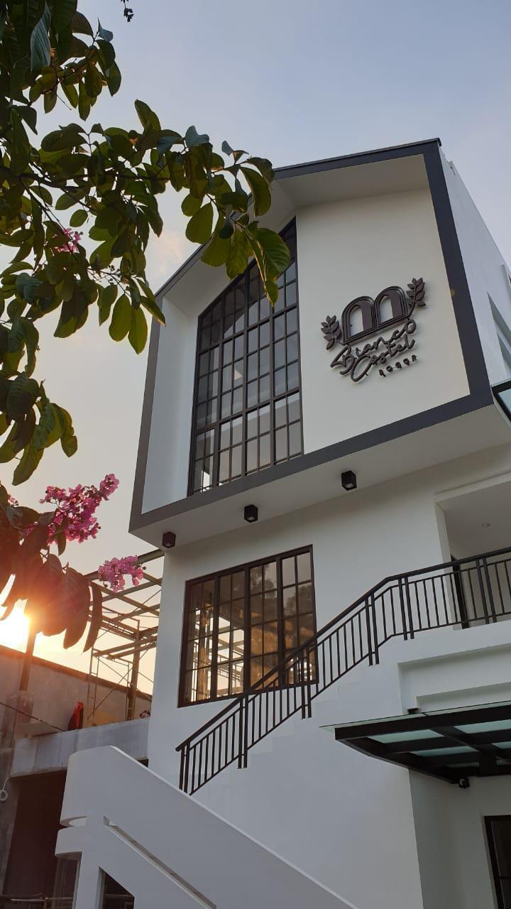 New Garden Hotel Bogor : garden, hotel, bogor, Bianco, Costel, Hotel, (Bogor), Deals,, Photos, Reviews
