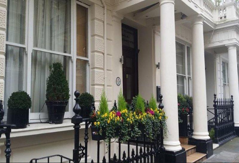 Hotels Near Acklam Village Market London Best Hotel Rates