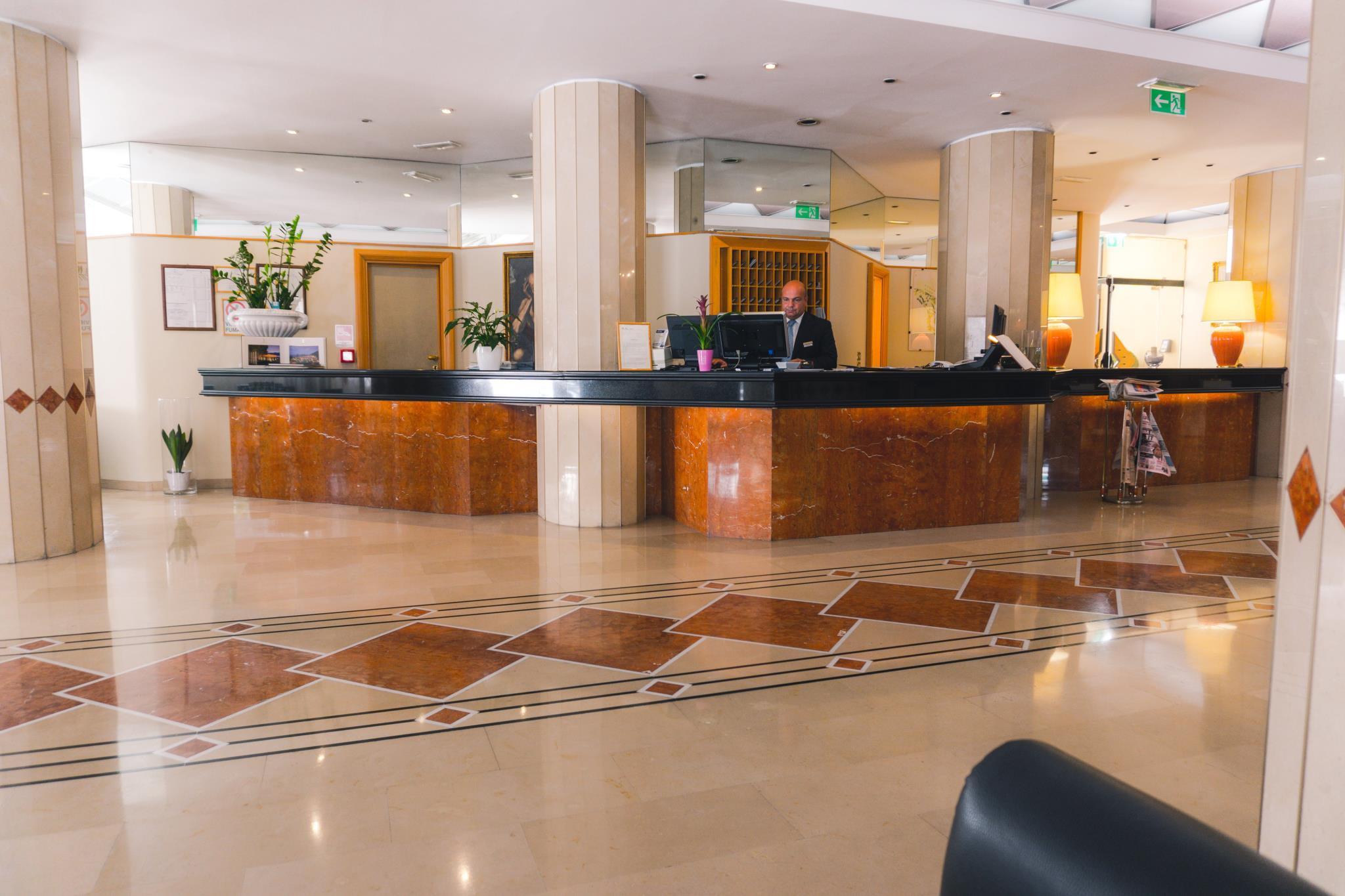 Grand Hotel Excelsior in Reggio Calabria Room Deals