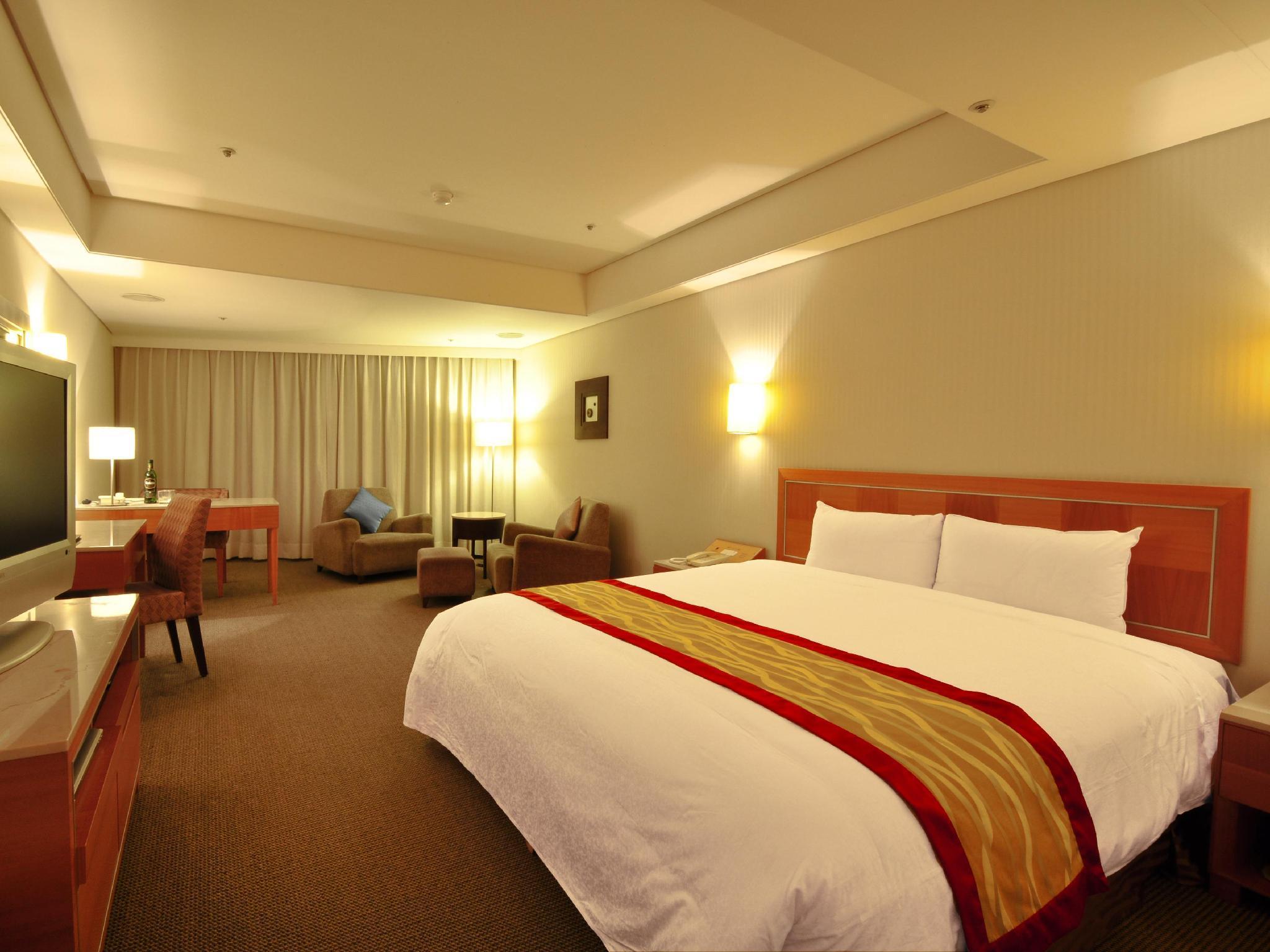 臺北市板橋馥華飯店 (Banqiao Forward Hotel) - Agoda 提供行程前一刻網上即時優惠價格訂房服務