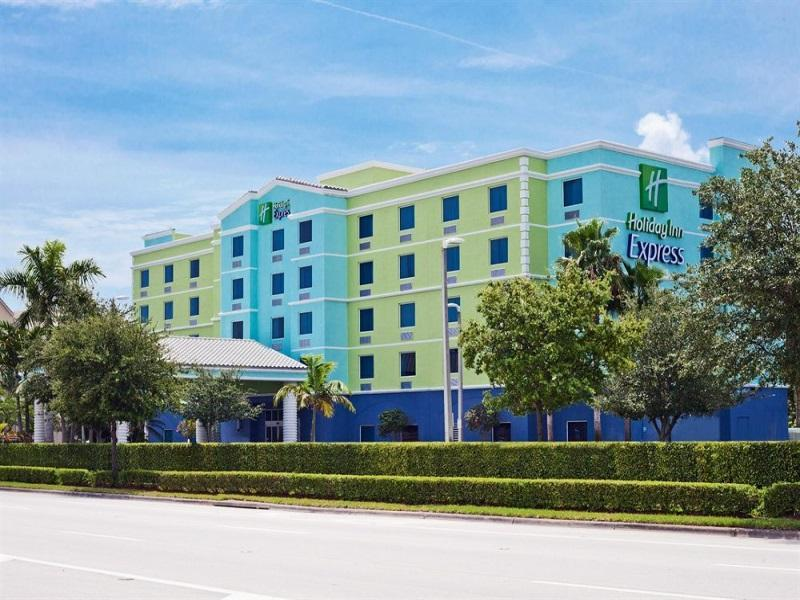 Holiday Inn Express Hotel And Suites Fort Lauderdale Airport