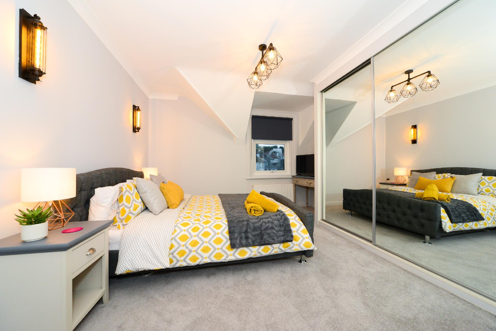 Luxury Hideout Apartment Near Poole Bournemouth United