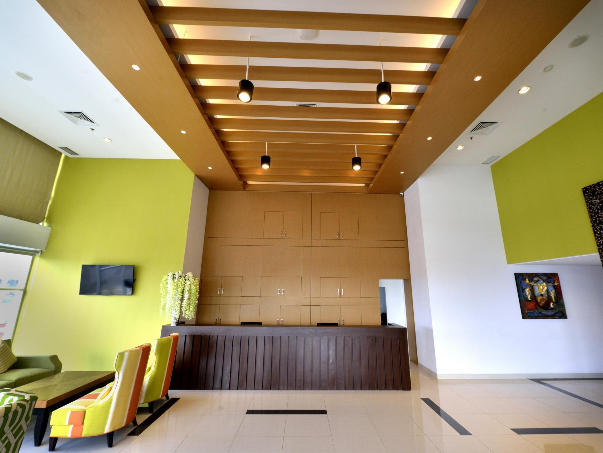 Whiz Prime Hotel Megamas Manado - Promo Harga