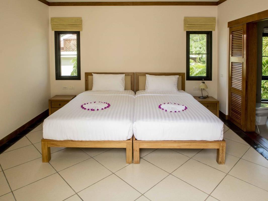 Lake View 3 Bdr Baan Bua Villas Book Directions Navitime
