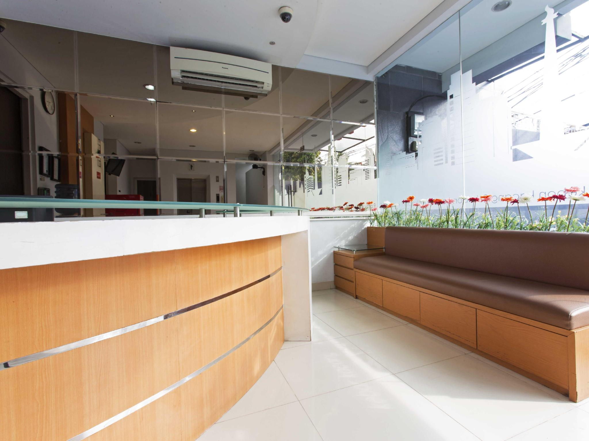 Alamat Hotel Reddoorz Near Thamrin City Jakarta