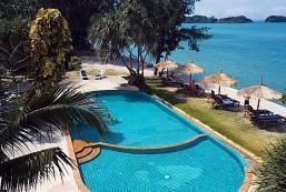 沙拉丹海灘度假村 Saladan Beach Resort