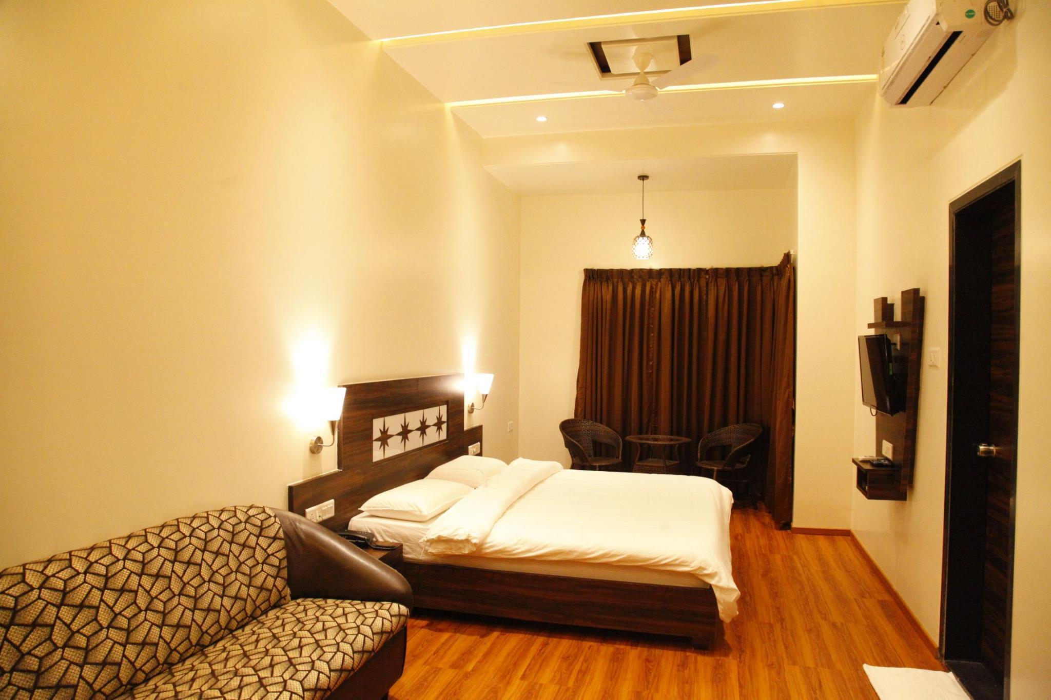 Popular Hotel Pune India