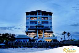 卡農金海灘酒店 Khanom Golden Beach Hotel