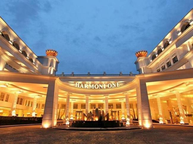 Harmoni One Convention Hotel & Service Apartments