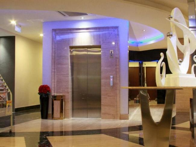 OYO 402 Rio City Hotel