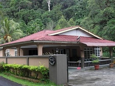Kampung Benuk Homestay