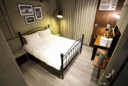 Taichung Loft Hostel Fengjia - BRONX Taichung Loft Hostel Fengjia - BRONX