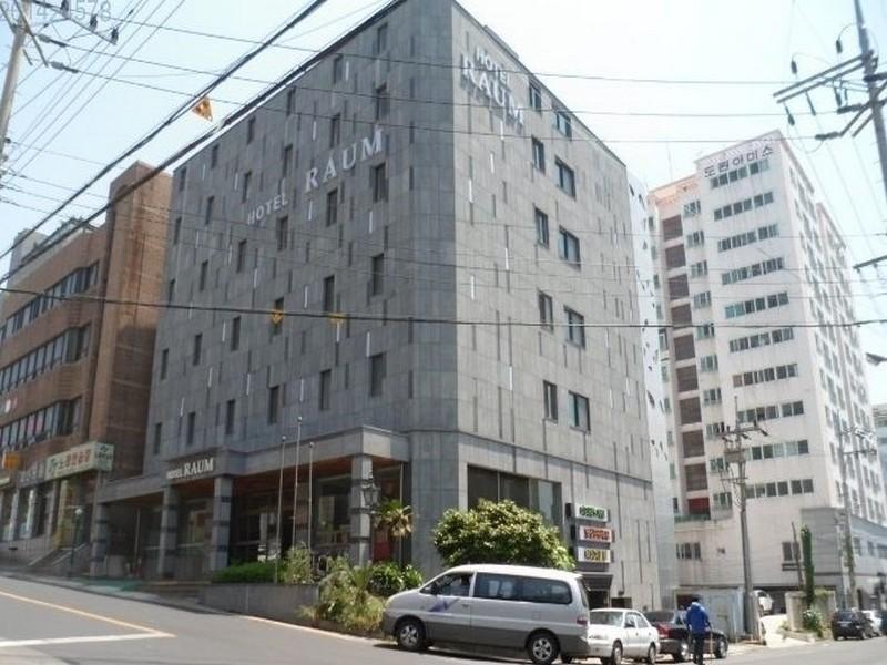 Hotel Raum Jeju