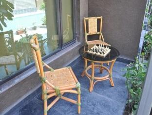 folding chair in rajkot recycled plastic lawn chairs hotel krishna park india