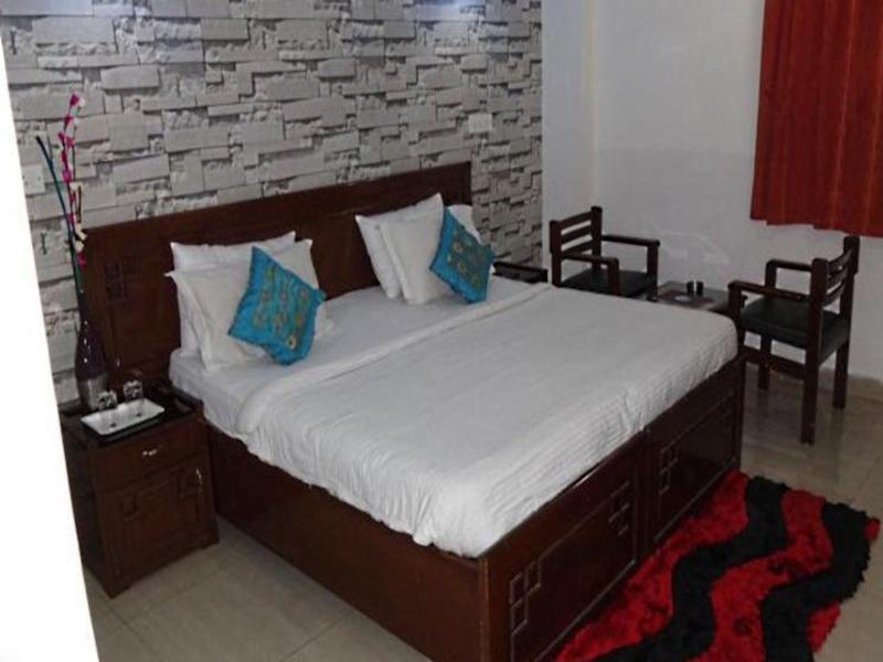 Hotel Atithi New Delhi India Booking Best Price deals Best Hoels in New Delhi-3