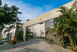 媜13汽車旅館 Zhen 13 Villa Motel