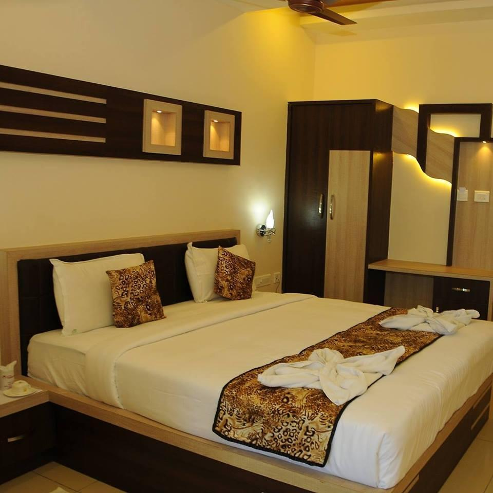 Cumbum Hotels Reservation Service
