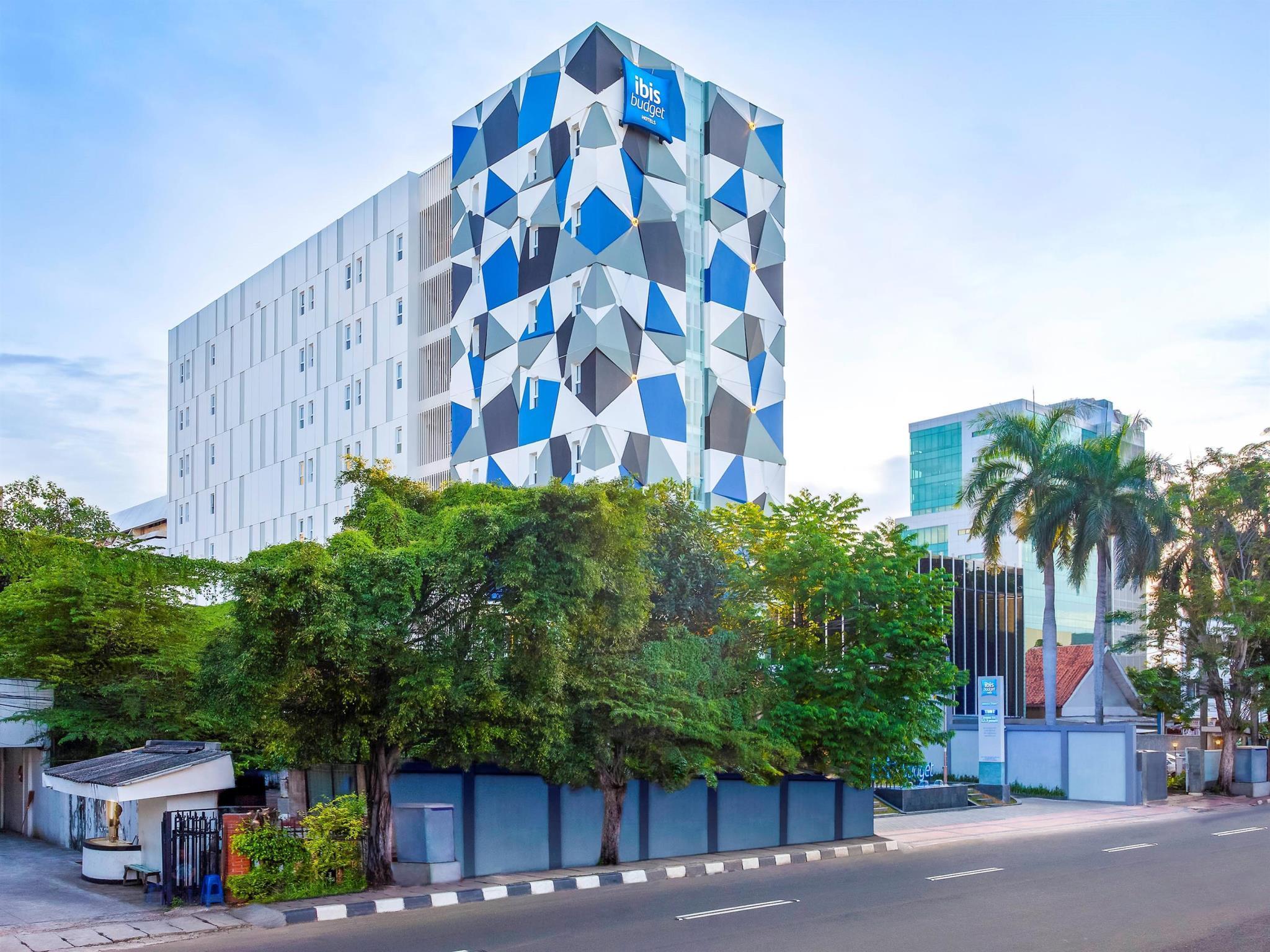 Hotel Dekat Wisata Jalan Abdul Muis