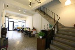 280平方米4臥室獨立屋 (西屯區) - 有2間私人浴室 Retro House/4 bedrooms/entire building10人包棟可停兩部車