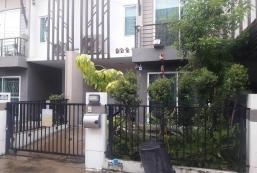 68平方米2臥室獨立屋 (暖武里市中心) - 有2間私人浴室 Camera house