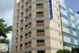 和平土地酒店久米 Hotel Peace Land Kume