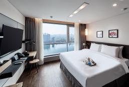河畔酒店 hotel riverside