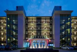 河畔酒店 The River Hotel