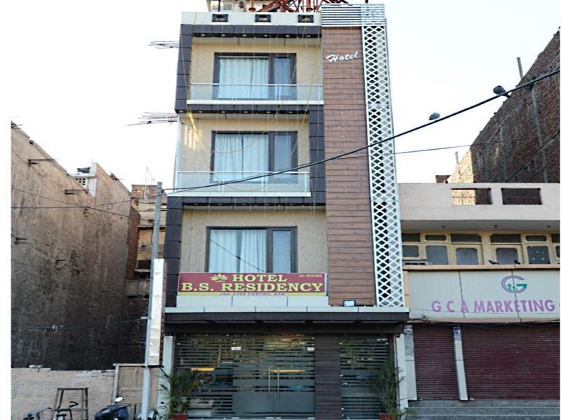 Hotel Bs Residency