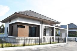 100平方米3臥室獨立屋 (武里南市中心) - 有2間私人浴室 baanhim