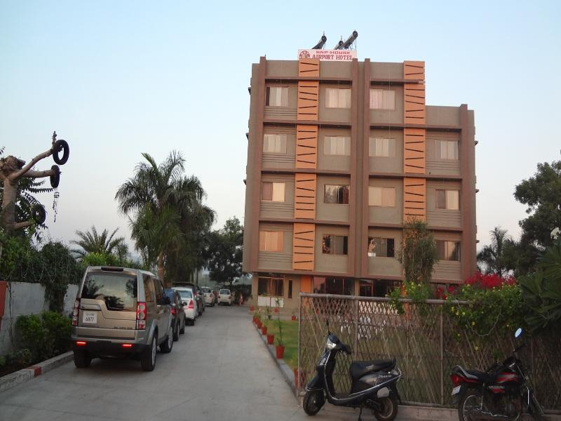 Snp House Airport Hotel Restaurant Udaipur India