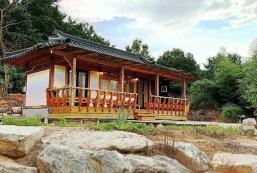 50平方米1臥室獨立屋 (北區) - 有0間私人浴室 Korean style house, 편백나무 한옥독채펜션, 그림같은 연못이 펼쳐진 힐링공간
