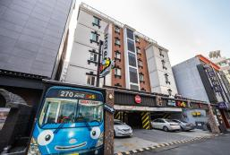 巴士酒店 Bus Hotel
