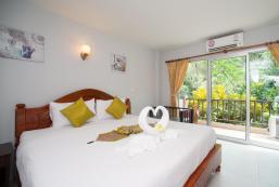 斯里查達酒店 Srichada Hotel