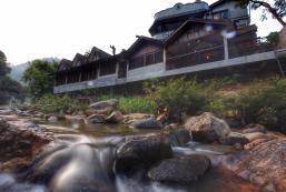 坦斯拉度假村 Thansila Resort