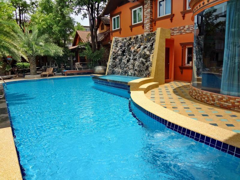 Khunsri Resort Art Boutique Hotel Pattaya