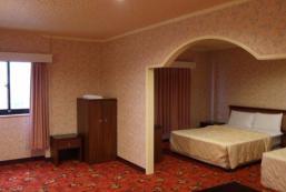 中央商務大飯店 Centre Hotel